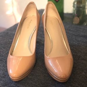 Beautiful tan coach heels